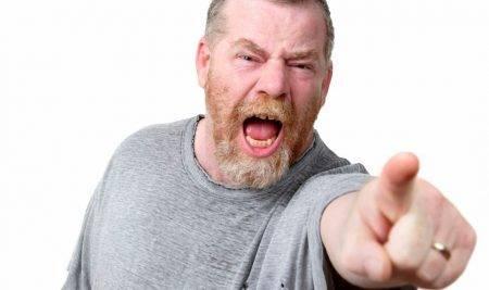 Jezni zaradi nepomembih stvari… ki uničijo ljubezensko življenje. Kako obvladati jezo?